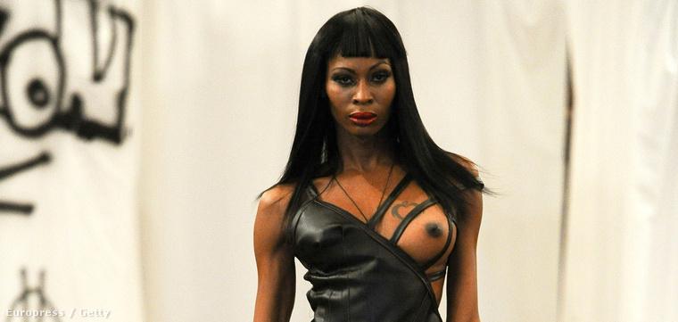 Adrian Alicea egyik modellje a New York-i divathéten