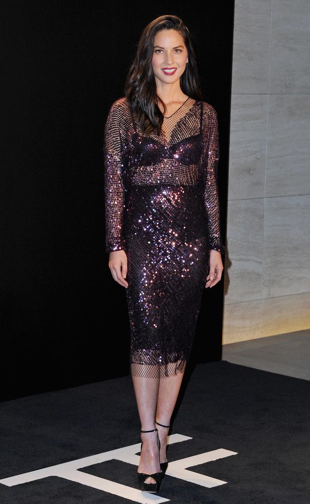 És végül köszönjünk el Olivia Munnal, aki még múltkor többet mutatott magából