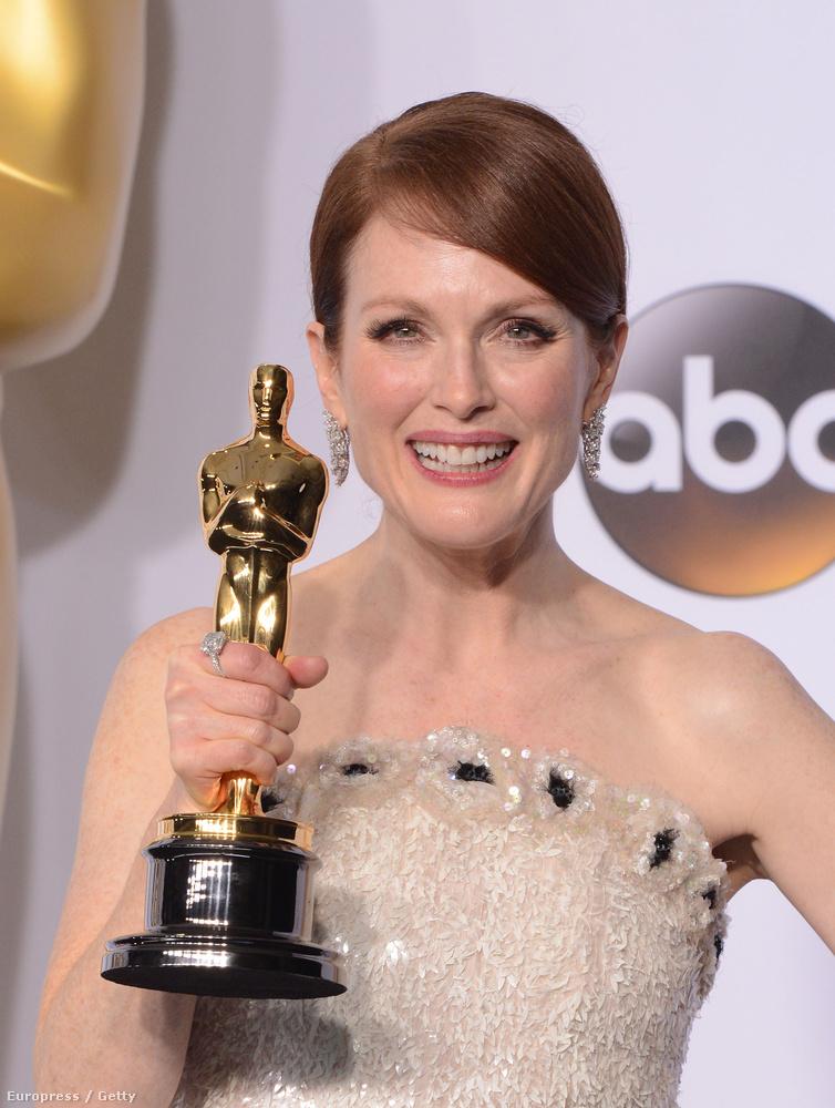 Ez pedig már az Oscaron készült, ugye, hogy hasonlít?