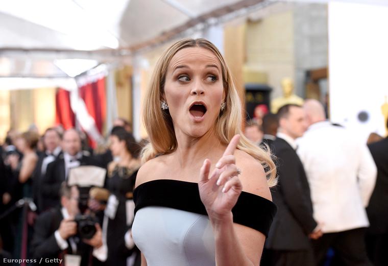 Mert Reese Witherspoon itt csak magyaráz.