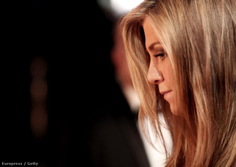 Jennifer Anistonon pedig így látszik igazán, milyen keveset plasztikáztak eddig - oldalról tiszta Rachel.