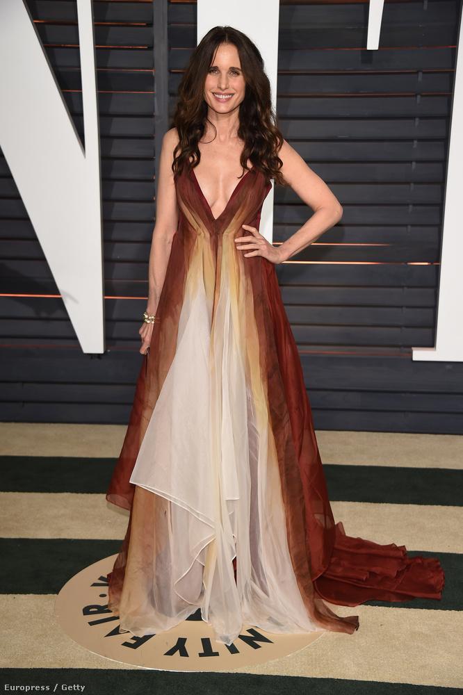 (Ez a kép a Vanity Fair Oscar-utóbuliján készült.)
