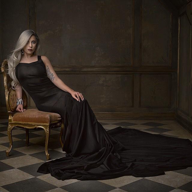 Lady Gaga szinte felismerhetetlen ilyen elegánsan