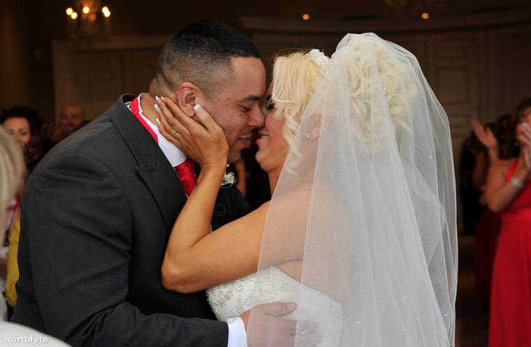 Különösen boldogok lehetnek, hogy a rekord miatt házasságkötésük be is került a hírekbe! Na de nézzük a második párt