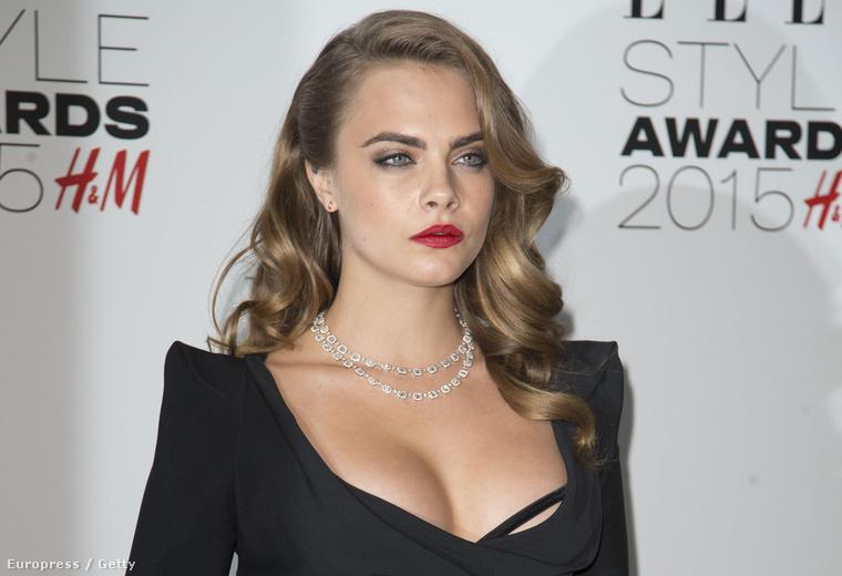 Cara Delevigne az Elle Style Awards-gálán február 24-én
