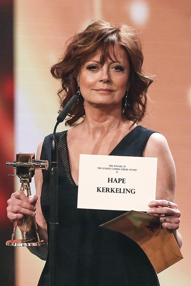 Sarandont is életműdíjjal tüntették ki, de Kevin Spacey is kapott az este díjat, a legjobb nemzetközi színészét.