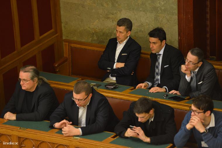 Rákay Philip a parlament mai ülésén