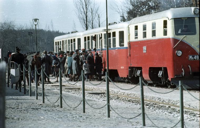 Gyermekvasút (Úttörővasút), Szépjuhászné (Ságvári liget) állomás.