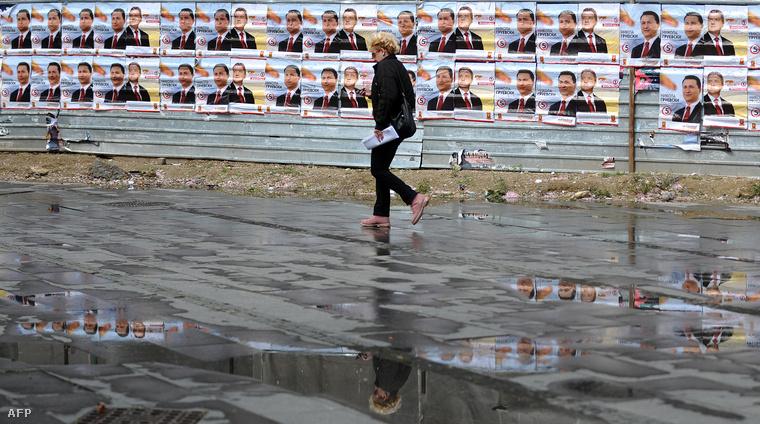Gruevszki és pártjának plakátjai Szkopjéban