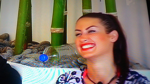 Éden Mariann képes a nevetésre!!!
