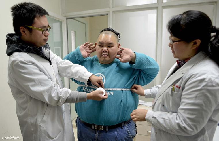 Kórházba került, mert a tartósan fennálló súlyfelesleg, az egészségtelen táplálkozás és a mozgásszegény életmód következtében veszélybe került az élete