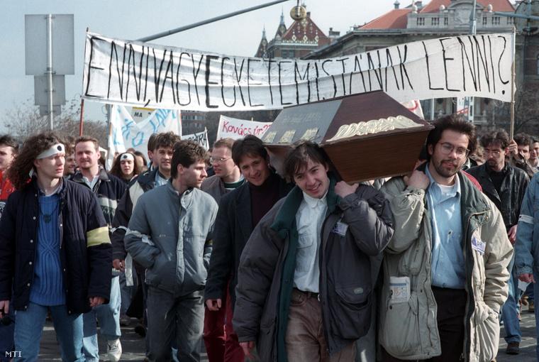 Tüntetés a Bokros-csomag ellen 1995. március 22-én