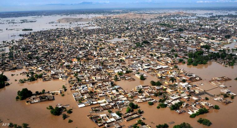 Árvíz borította terület Pakisztánban