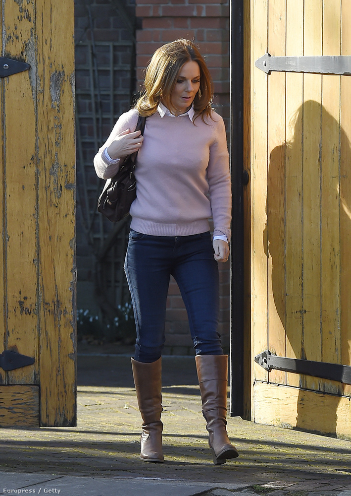 Geri Halliwell, aki a Spice Girlsszel lett híressé annak idején, mainapság így néz ki