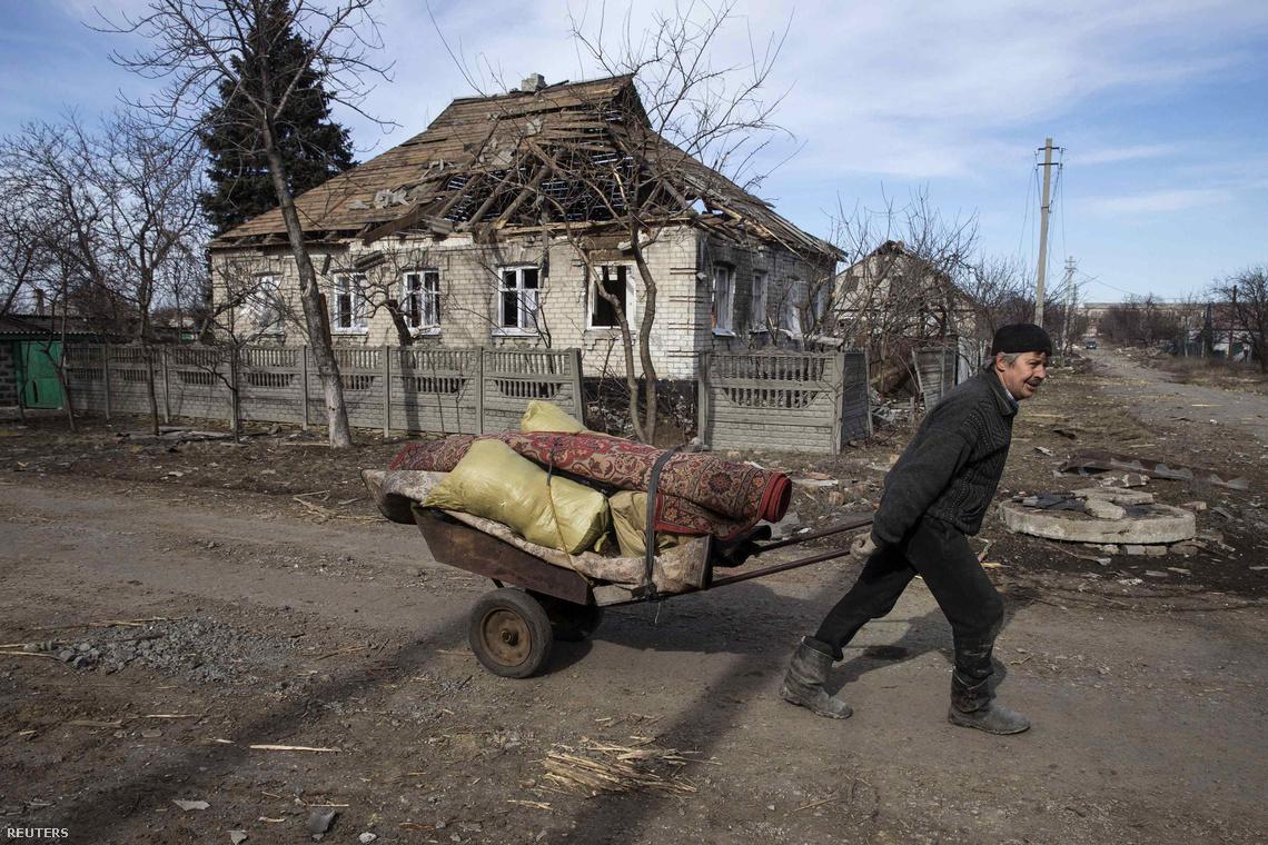 2015-02-28T163312Z 1767268958 GM1EB2S0V6801 RTRMADP 3 UKRAINE-CR