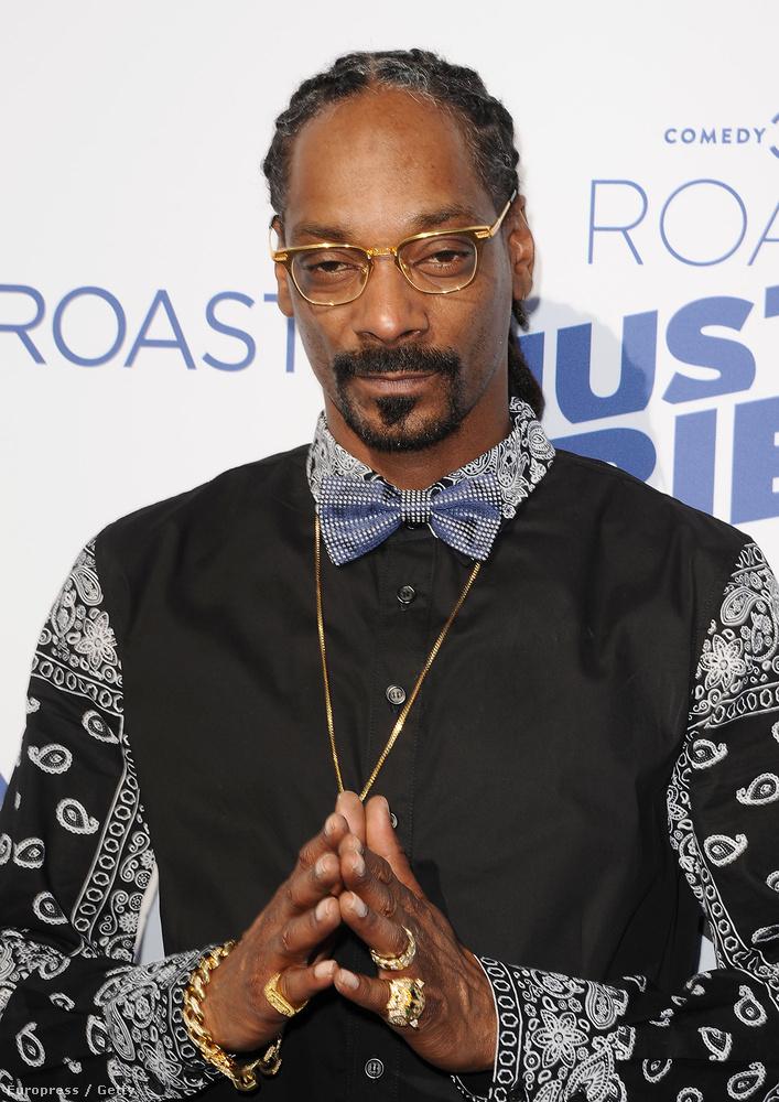 Snoop Dogg szemüvegben