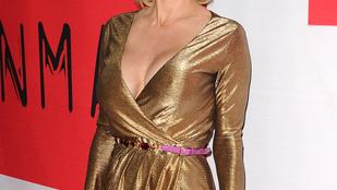 Kitiltották Pamela Andersont Sam Simon temetéséről