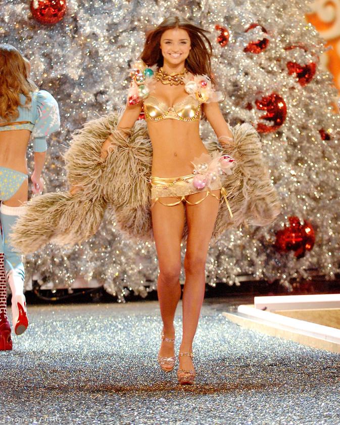 A modell, aki 24 évesen is 12-nek nézett ki