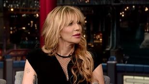 Courtney Love elégetné ruháit