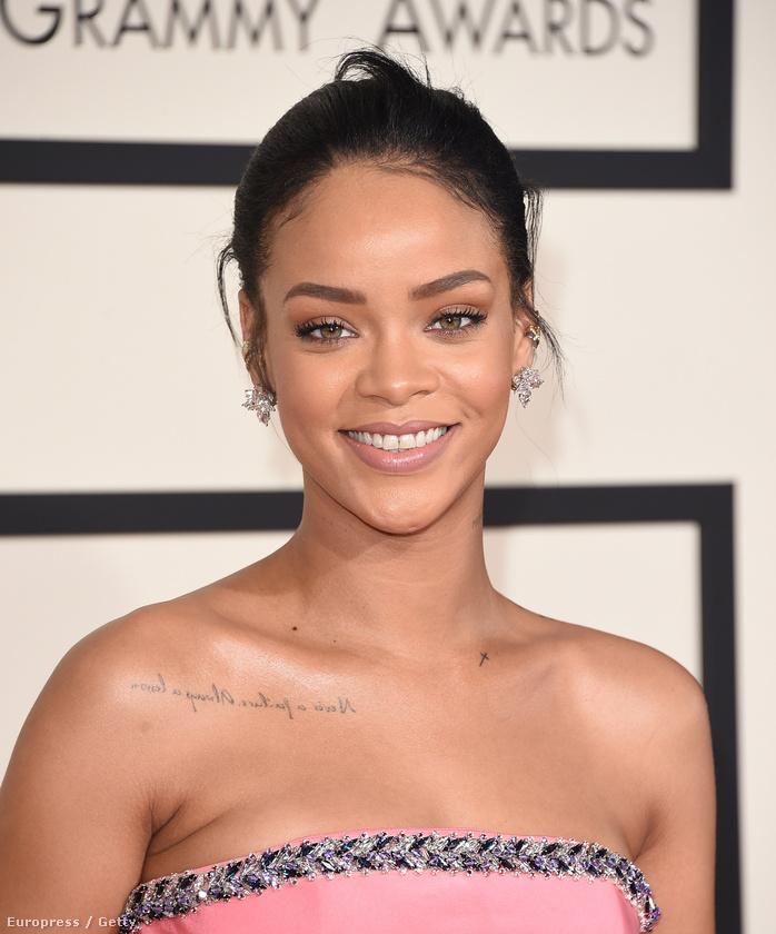 És vagy így kezelik a dolgot, mint Rihanna, vagy úgy, mint a 80-as évek végén, 90-es évek elején a fekete celebek