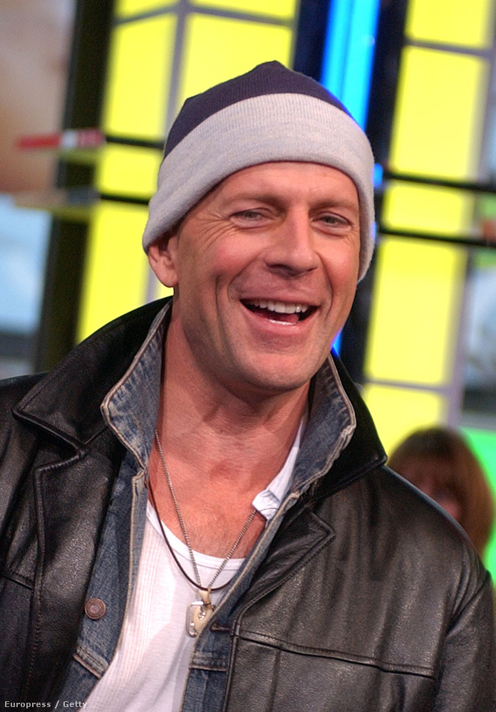 Ali G is meginterjúvolta Bruce Willist 2003-ban az MTV TRL műsorban.