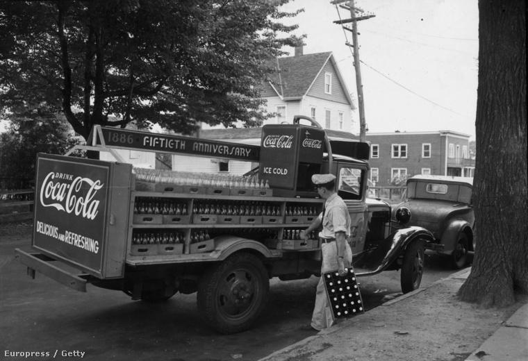 1936 - Coca-colát szállító teherautó
