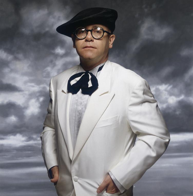 Elton John a 90-es években keményen drogozott