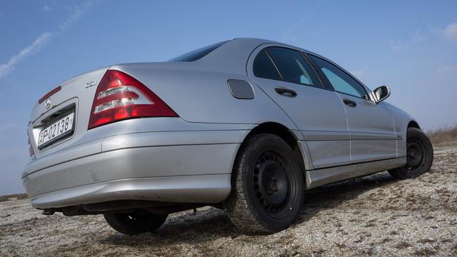 Manapság a prémium-minőség nem azt jelenti, hogy valami örökké tart. Szimplán csak minőségi anyagokból készült és jól van összerakva, sajnos ezek a Mercedesek...