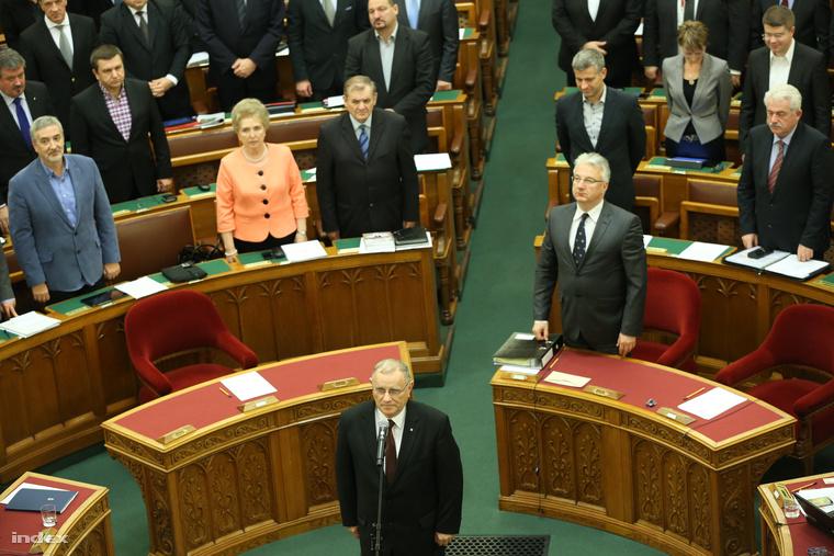 Horváth Imre eskütétele a parlamentben