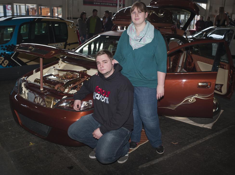 """Rico és Linda Thielebein / Németroszág, Welzow                                           Opel Astra G """"Diva""""                                           70.000 Euró"""