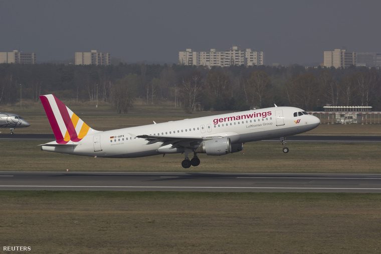 A Germanwings egyik Airbus A320-as típusú gépe 2014. március 29-én a berlini reptéren.