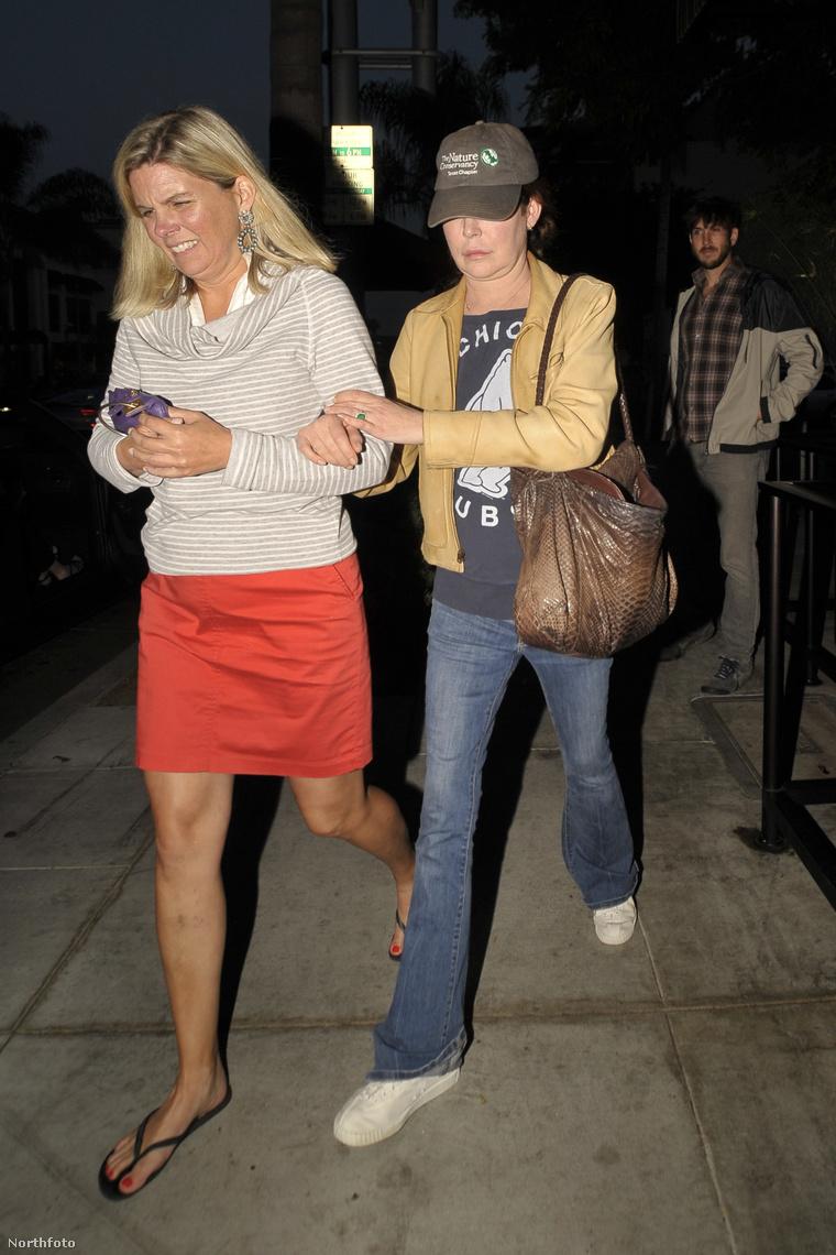A legfrissebb képek a színésznőről, Beverly Hillsben készültek róla, olyan sovány, mint még korábban soha.