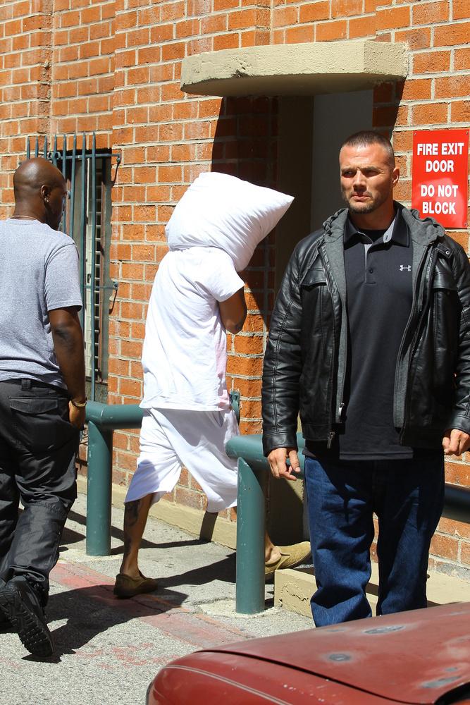 A hírek szerint a kíséret tagja volt Kris Jenner toyboya, Corey Gamble is.