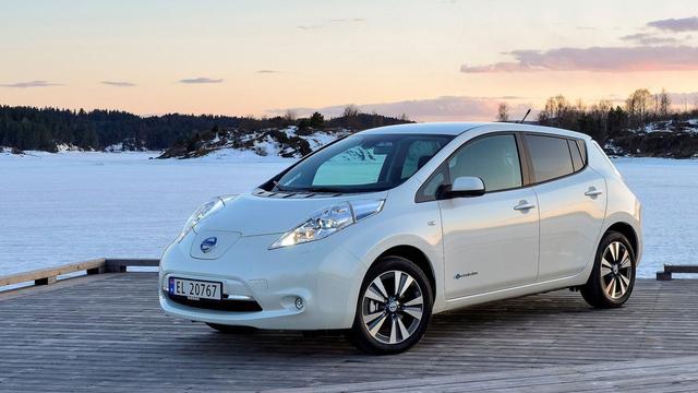 A világ legnagyobb darabszámban eladott villanyautója: Nissan Leaf, 16 ezer példányon túl