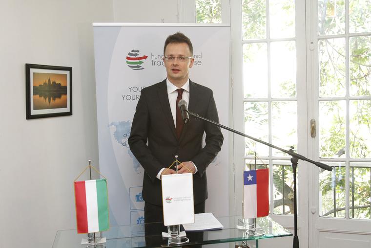 Szijjártó Péter külgazdasági és külügyminiszter a Magyar Nemzeti Kereskedőház Santiago de Chile-i irodájának megnyitóján.