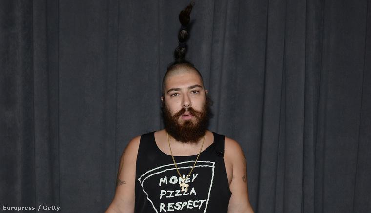 Az ő művészneve The Fat Jew, igazi neve Josh Ostrovsky