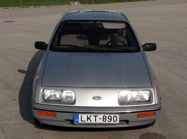 Hűtőrács nélküli autó 1982-ben? Science-fiction, mint a Citroen DS vagy a CX