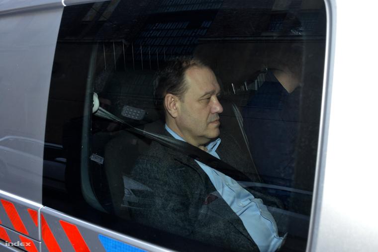 Tarsoly Csaba vasárnap reggel a bíróságon
