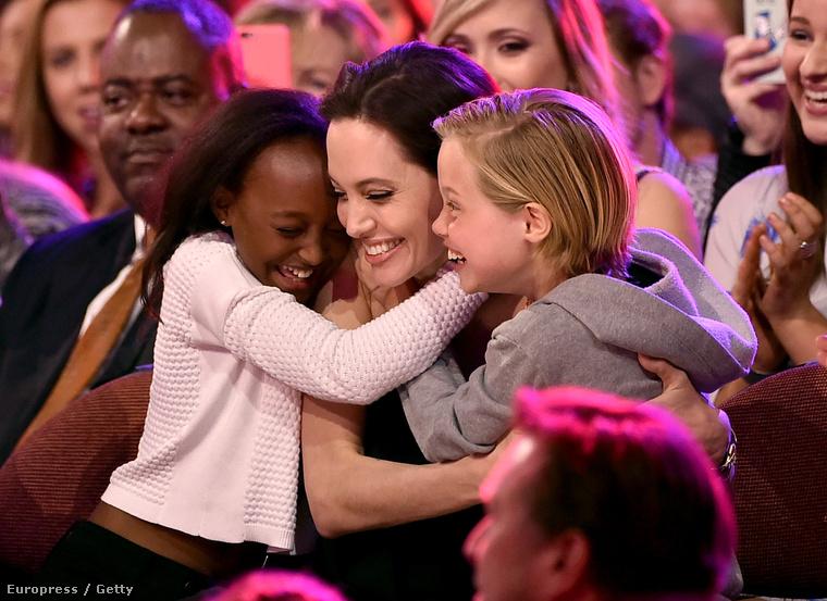 Mint ahogy azt már láthatta, Angelina Jolie ott volt két lányával, Zahara Jolie-Pittel és Shiloh Jolie-Pittel