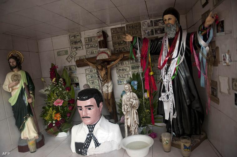 Szentély Jesús Malverde szobrával a mexikói Culiacanban.