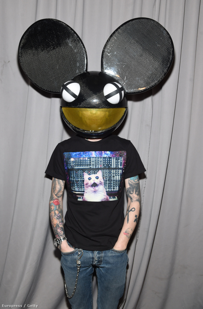 Ott volt Deadmau5 is.