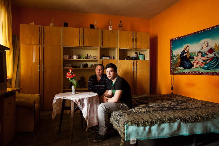 Attila 14 éves és pék szeretne lenni. Édesanyja, Kiss Lászlóné kisegítő iskolába járt, szakmája nincs. Körösszakálon élnek.