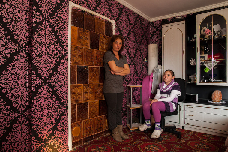 Letti 10 éves, rendőr szeretne lenni, Tóthné Szűcs Julianna, 43 éves, fordrász vagy kozmetikus akart volna lenni, jelenleg otthon van a gyerekekkel. Biharkeresztesen élnek.