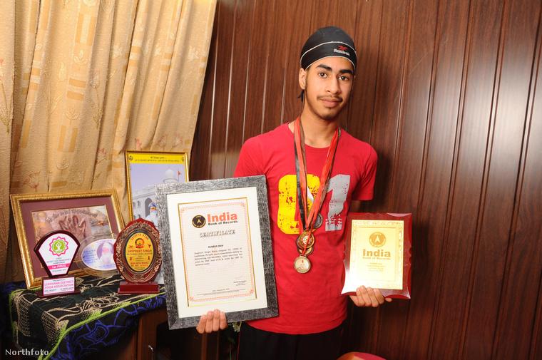 Ő Jaspreet Singh Kalra