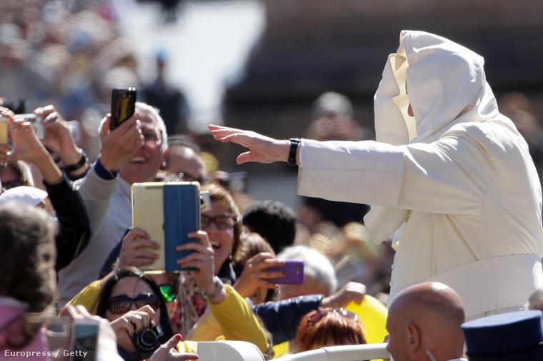 Pápa, szélben