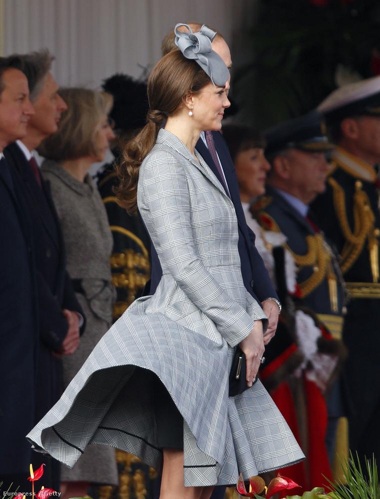 Katalin hercegnének állítólag van egy embere arra, hogy a szoknyájára figyeljen