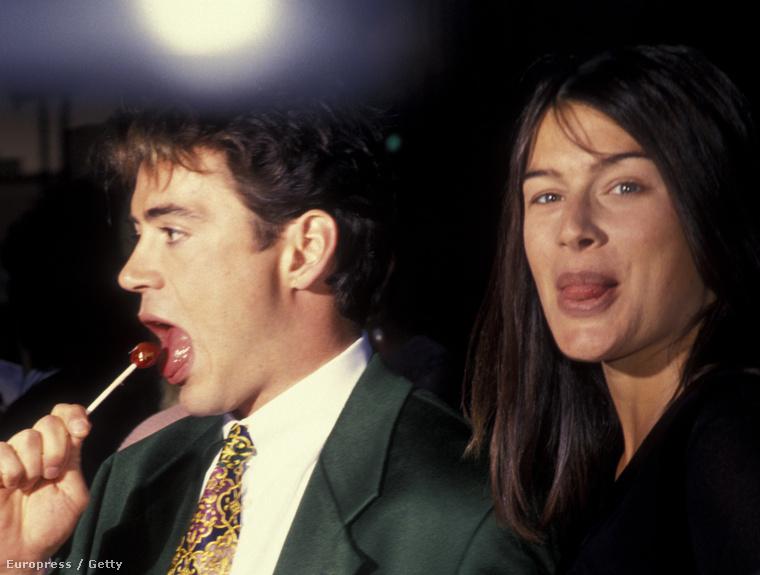 Nem sokkal utána viszont összejött Deborah Falconer énekesnővel, akit másfél hónapnyi ismerettség után feleségül vett