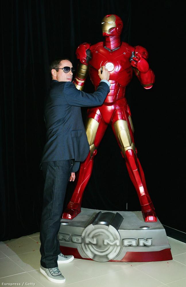 De 2008-ban gyorsan el is felejtettük azt a szőke hajat, mikor kijött az Iron Man első része, a főszerepben Robert Downey Jr-ral
