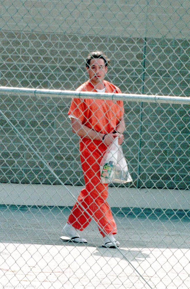 1999-ben ismét börtönbe került