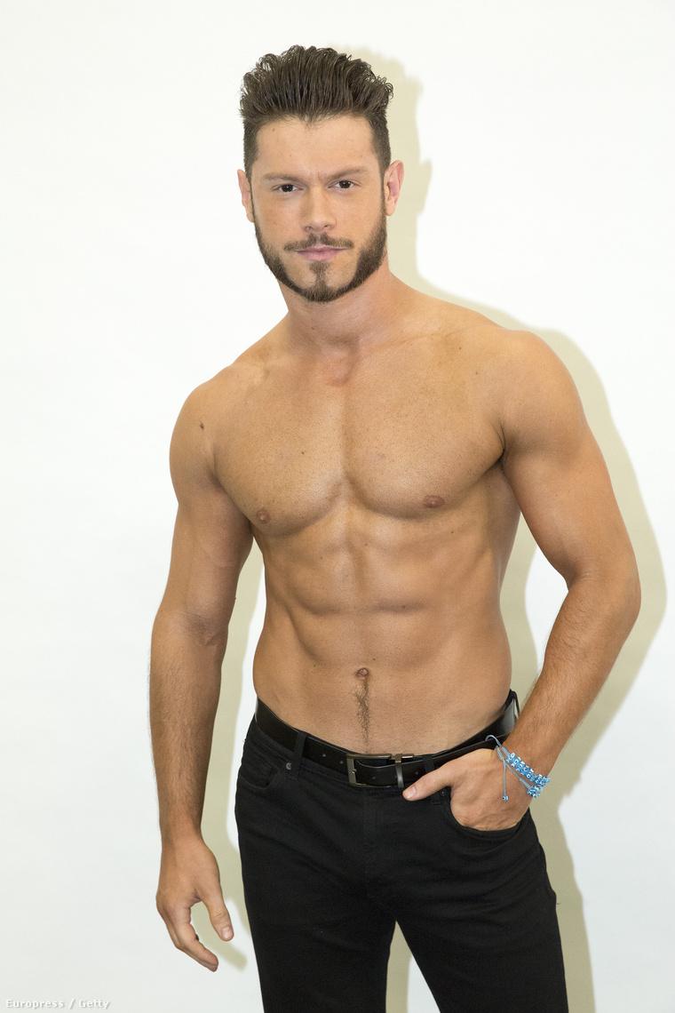 Az ABC nevű amerikai csatorna ilyen táncosokat foglalkoztat a Dancing With The Stars című műsorban – az ő neve Henry Byalikov